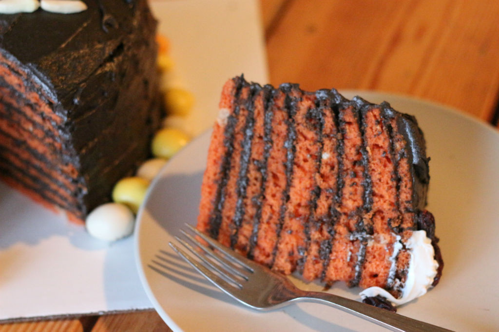 Nine-Layer Halloween Kitty Cake_4