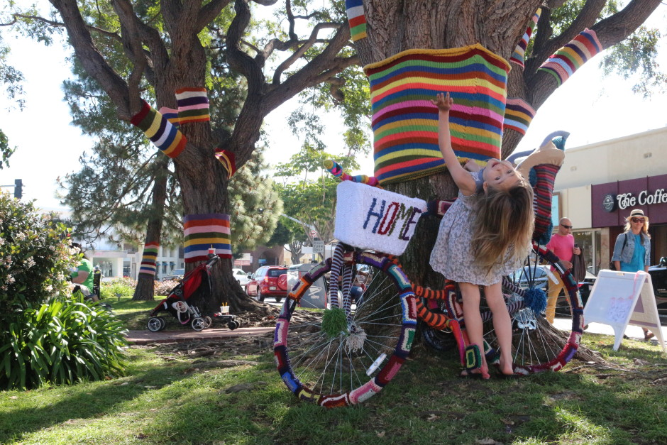 yarnbomb, women history, national women's history month, lion brand, palisades village green