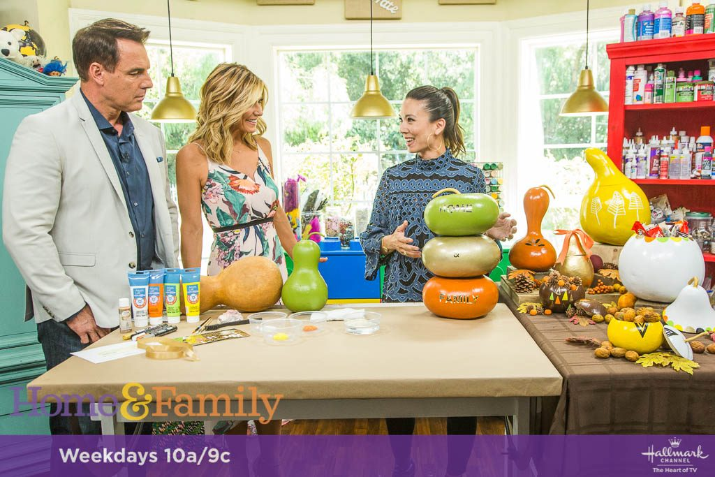 http://www.hallmarkchannel.com/home-and-family/how-to/diy-gourd-containers