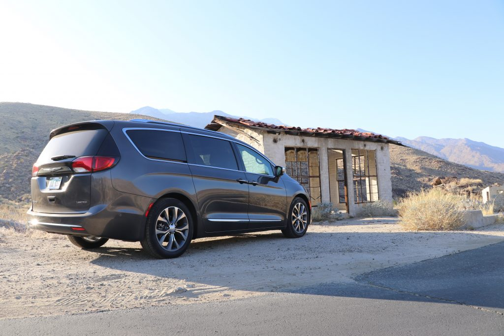 chrysler, pacifica, chrysler pacifica, road trip, family car, palm springs